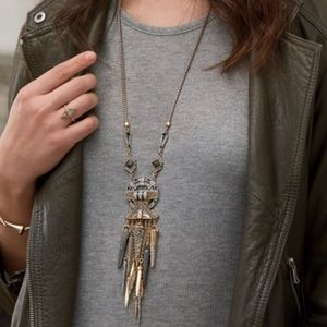 Long statement necklace✨